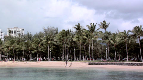 Waikiki Beach, Honolulu, Hawaii ライブ動画