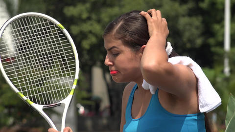 Angry Female Tennis Player Over Loss Archivo