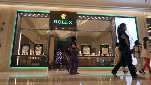 Famous Watch Rolex Brand Shop in Siam Paragon Mall. 4K. Luxury Fashion Shopping Footage
