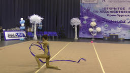 Orenburg, Russia-November 25, 2017 year: girls compete in rhythmic gymnastics Filmmaterial
