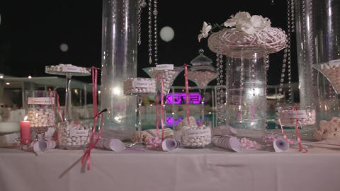Beautiful, best Wedding Candy Bar Live Action