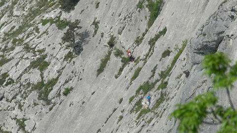 Climber's ascent to the mountain 画像