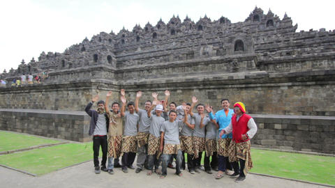 BOROBUDUR - MAY 2012: indonesian students visiting borobudur, indonesia Footage