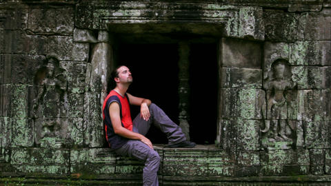 caucasian tourist in angkor wat Stock Video Footage
