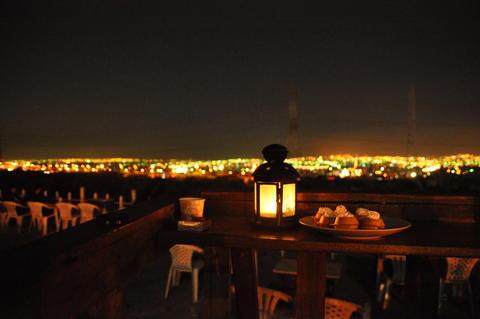 咖啡與夜景 Foto