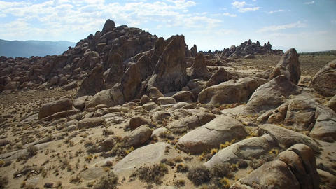 Rock formations of Alabama Hills in California ビデオ
