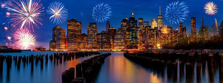 Sparkling celebration fireworks New York City Manhattan skyline with skyscrapers Foto