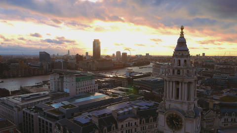 London skyline in the evening Live Action