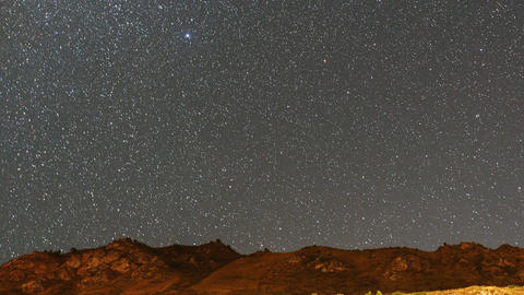Milky Way over the mountains Live Action