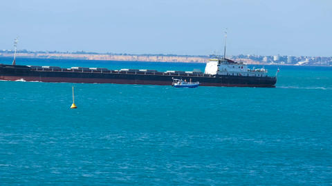 Moving a ship along the coast 3 Image