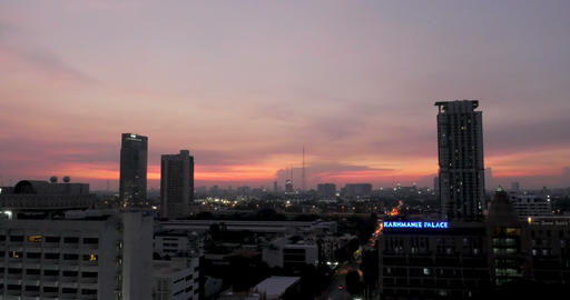 BANGKOK, THAILAND - CIRCA NOVEMBER 2017 - Time lapse of the sunset against the Footage