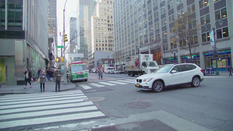 20 Crossing the avenue in New York Footage
