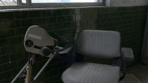 Motorized chair abandoned hospital ビデオ