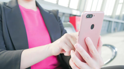 business woman use phone ビデオ