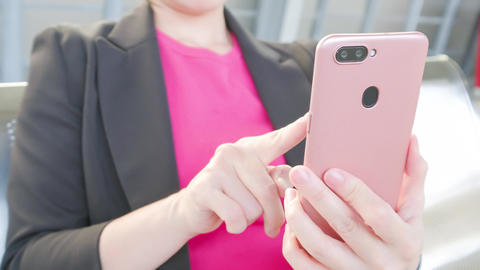 business woman use phone Live影片