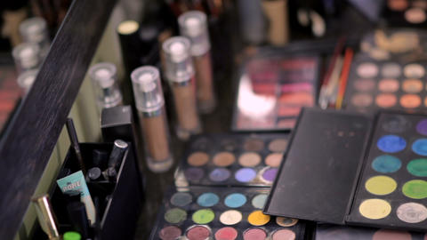 magical cosmetics in the make-up salon 画像