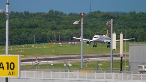 Airbus 319 Germanwings landing Footage