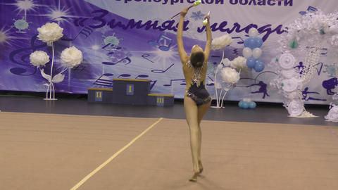 Orenburg, Russia - November 25, 2017 year: girls compete in rhythmic gymnastics Archivo