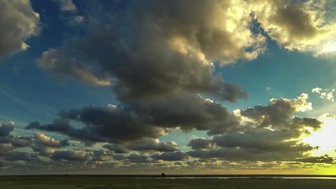 fleeing the storm clouds. taymlaps Archivo