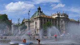 Karlsplatz or Stachus in Munich, Bavaria 画像
