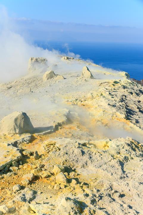 Edge volcano on Vulcano island Sicily フォト