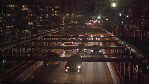 4K A lot of cars on the Brooklyn bridge by night 영상물