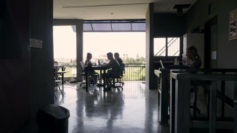 CANGGU, BALI INDONESIA - CIRCA DECEMBER 2017 - Time lapse of digital nomad 画像