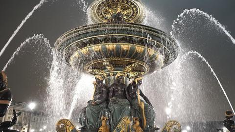 Beautiful fountain at Place de la Concorde Paris great night shot Live Action