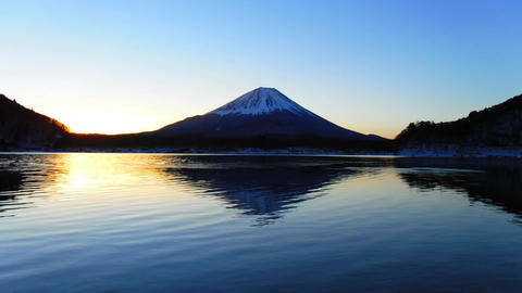 "Mt. Fuji at dawn from Lake""Shojiko"" at Midwinter Live Action"