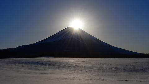Snowy scenery diamond Fuji Japan 01/26/2018 Footage