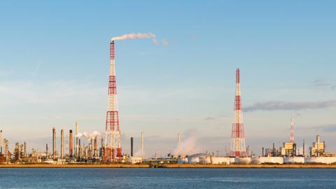 Refinery And River Time Lapse In Evening Sunlight 영상물