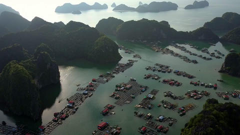 Fantastic Aerial View Floating Village and Sunlight Reflection 画像