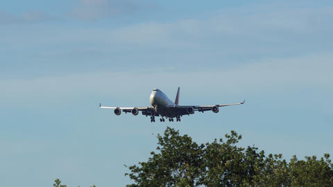 Boeing 747 of Asiana Airlines approaching Footage