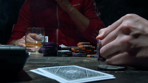 Poker chip spinning on the table ビデオ