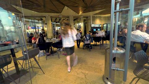 Jerusalem, Israel - May 11, 2017: Timelapse of people enjoying at cafe. They Bild