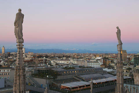 View of Milan from Duomo in the evening. v.3 フォト