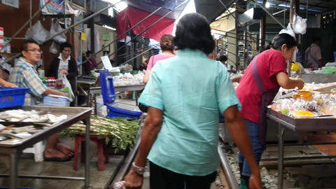 (Timelapse) Walking through the Mae Klong railway market Footage