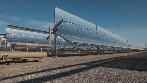 View of solar power station mirrors (time-lapse) ライブ動画