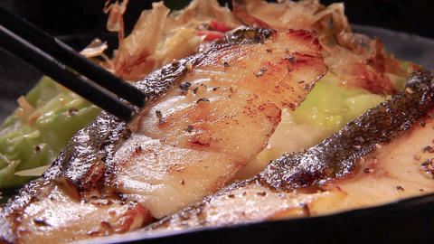 grilled fish of mackerel Live Action
