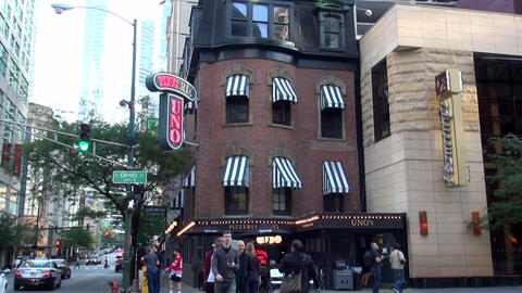 Famous Pizzeria UNO in Chicago - CHICAGO, ILLINOIS/USA Live Action