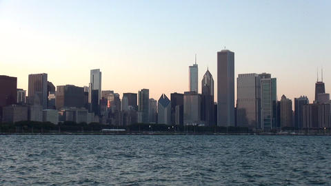 Chicago Skyline at sunset - CHICAGO, ILLINOIS/USA Live Action