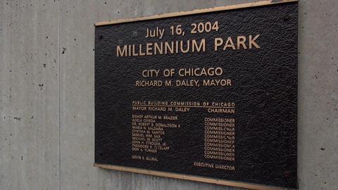 Sign Millennium Park Chicago - CHICAGO, ILLINOIS/USA Live Action