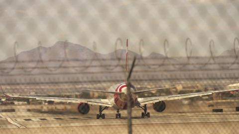 Aircraft departure on McCarran airport Las Vegas – April 18th 2015 Live Action