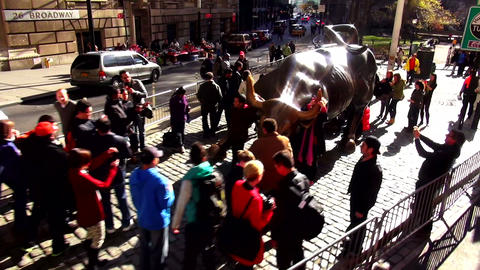 Charging Bull statue New York near Wall Street financial district – MANHATTAN, Footage
