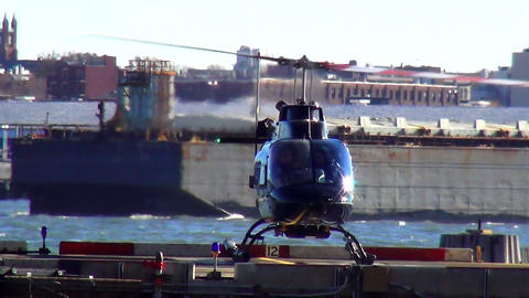 Helicopter starting at Manhattan Heliport New York – MANHATTAN, NEW YORK/USA N Live Action