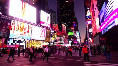 Times Square Manhattan New York in the evening – MANHATTAN, NEW YORK/USA NOVEM Live Action