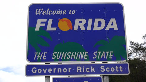 Welcome to florida. State border sign – FLORIDA / USA OCTOBER 16, 2013 Live Action