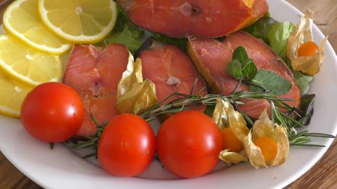 Chinook salmon (LAT. Oncorhynchus tshawytscha) smoked 영상물