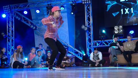 Young girl dancing hip-hop Footage