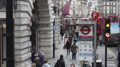 Bus stop at Regent street - LONDON, ENGLAND Live Action